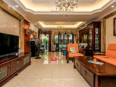 .御峰园精装别墅,看房方便,带地下室和大花园