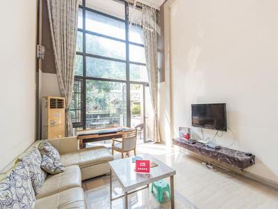 御峰园一期联排精装五房,家私电齐全出租,居住安静舒适