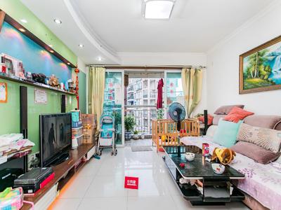世纪春城一期,三室两厅,位置安静,可以短租,看房提前联系。