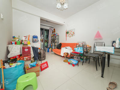 新华中学旁,丹枫雅苑,精装大一房,客厅出阳台,换房诚售!