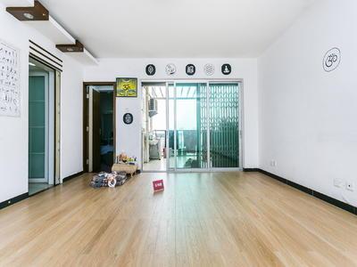 科技园旁,精装大两房,客厅出阳台诚意出售