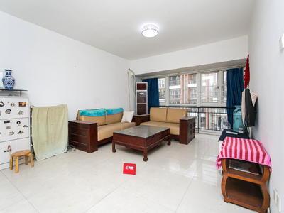 中海怡瑞精装大三房,卧室通阳台