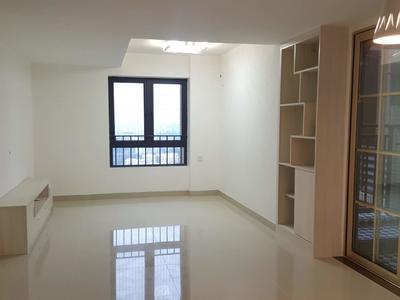 金洪观荟4室2厅,业主诚心出租,环境安静优雅