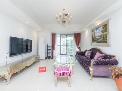 东海国际公寓精装三房,高档奢华公寓,业主诚心出售。