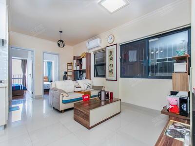 上河坊精装两房,居家舒适,业主诚心出售,看房方便,