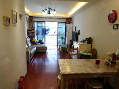 城市峰尚小区,住家装修保养好,满五唯一,业主诚心出售